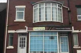 4 Bed Empty Unit & Flat Catering Freehold For Sale - Main Image