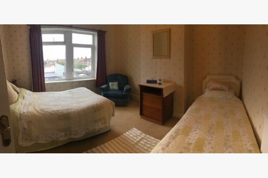 4 Bedroom Empty Unit & Flat Catering Freehold For Sale - Image 7