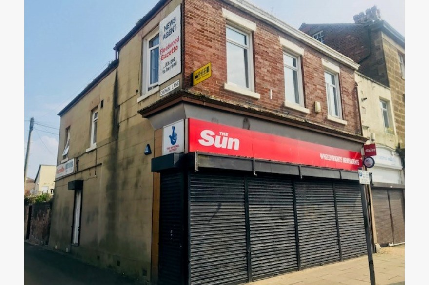 Empty Shop & Flat/house Retail Freehold For Sale - Image 4