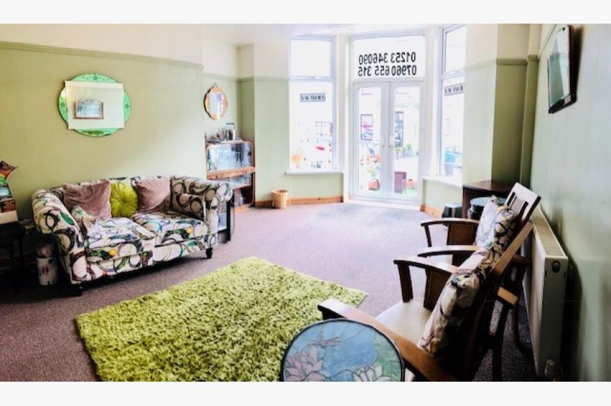 6 Bedroom Hotel Hotels Freehold For Sale - Image 2
