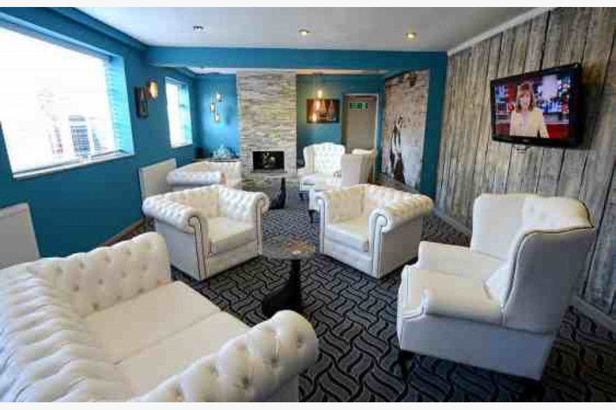 16 bedroom hotel for sale in briardene hotel brasserie for Koi pool thornton cleveleys