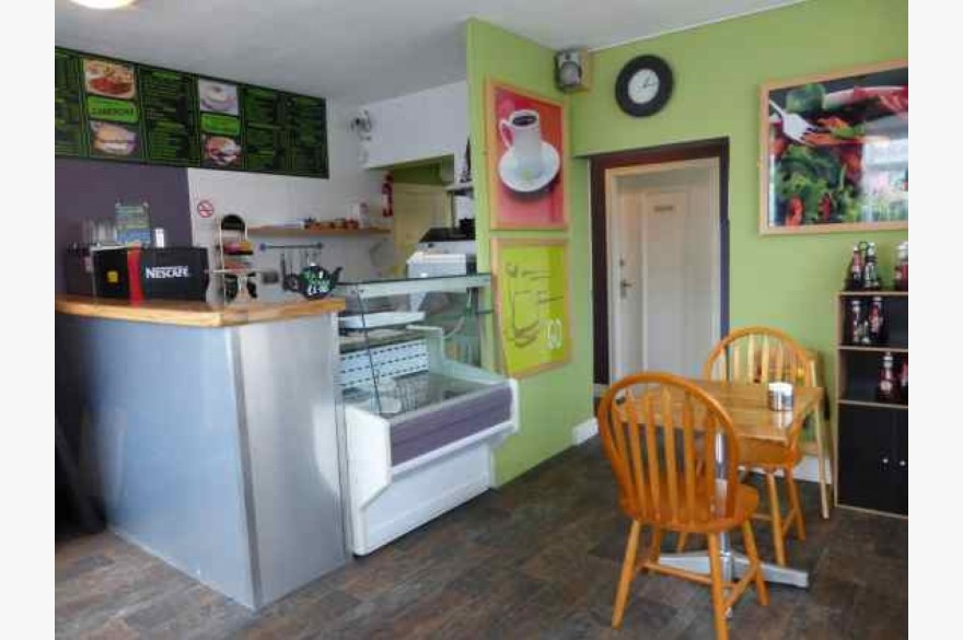 3 Bedroom Cafe Catering Leasehold For Sale - Image 2